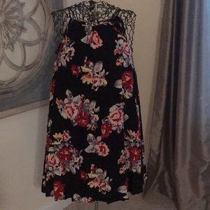 Cute summer swing dress! Never worn!